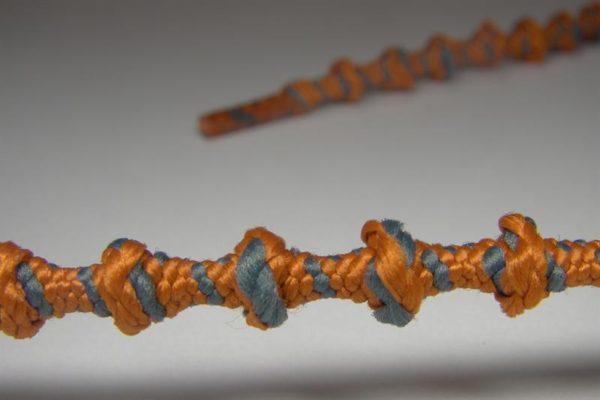 Tkanička Free-lace 40 cm šedooranžová